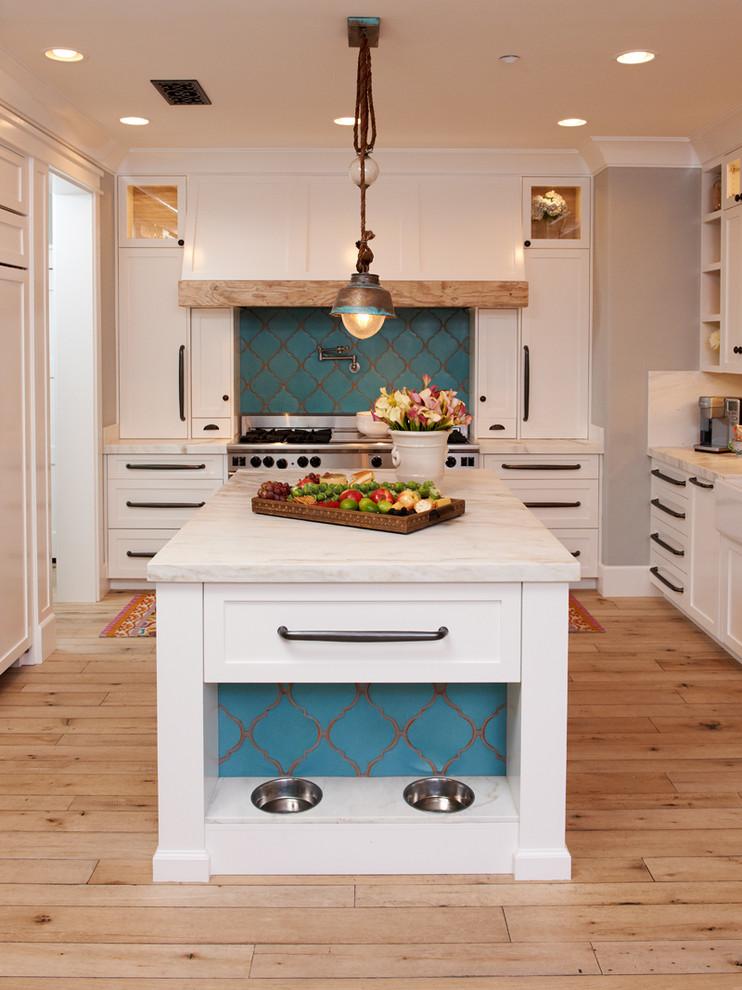 mediterranean kitchen design wooden floor hanging lamp drawer stove shelf ceiling lamp