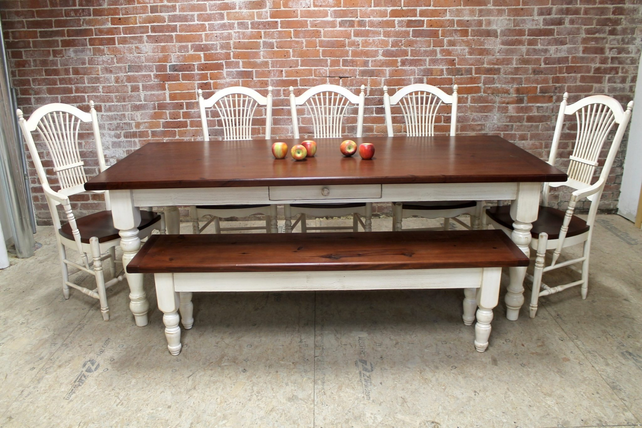 Vintage Benchwright Extending Dining Table – Decohoms