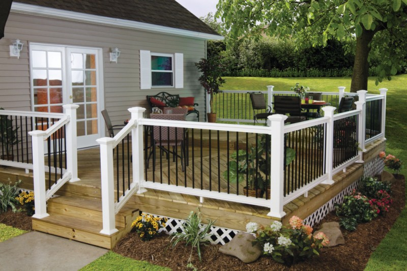 black and white aluminum vinyl deck railing