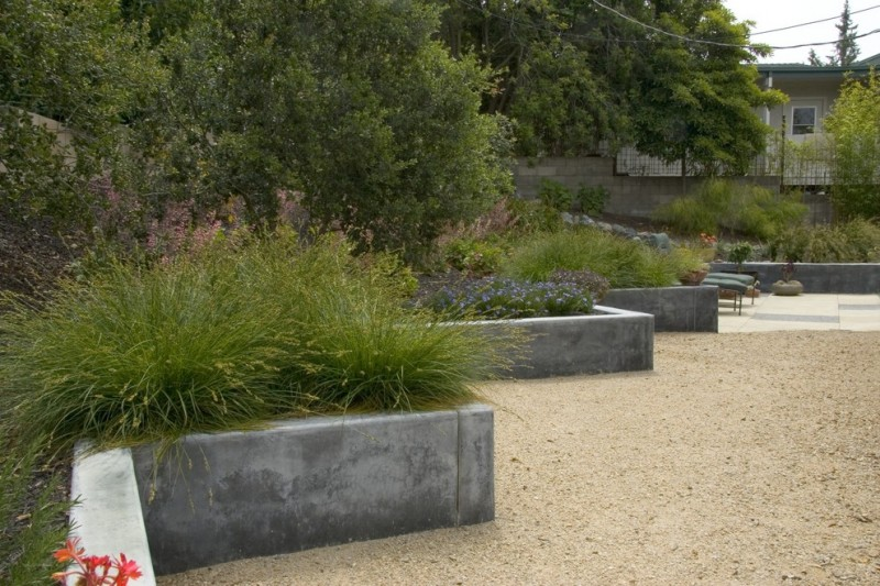 simple concrete planter boxes