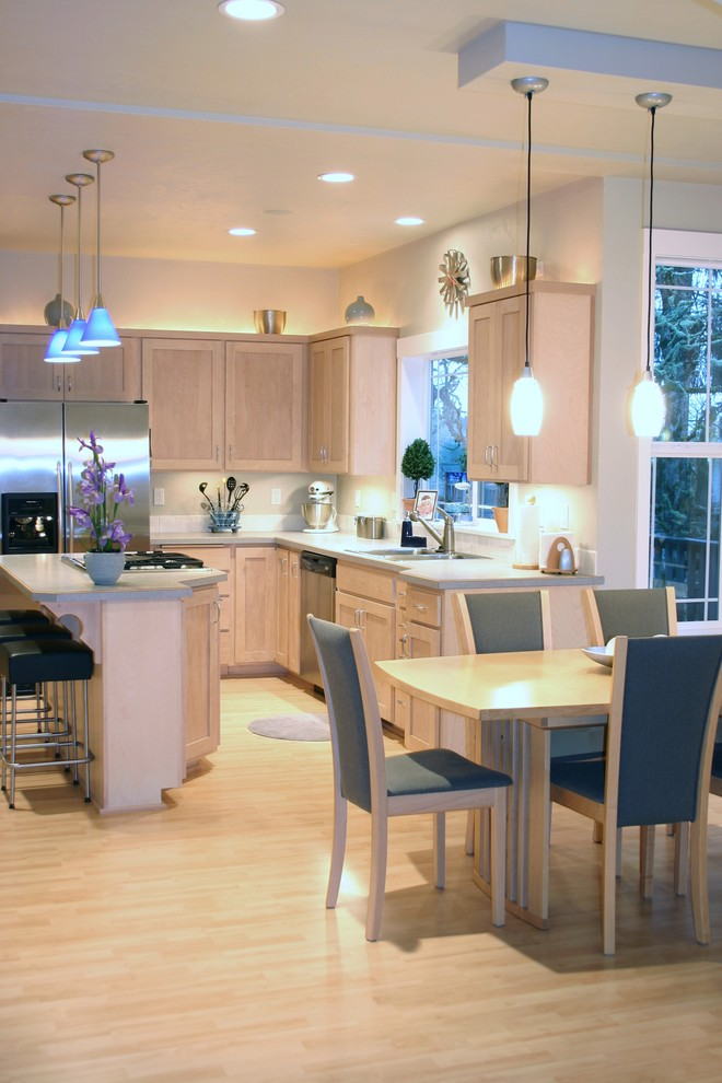 simple traditional kitchen with warm above cabinet lighting
