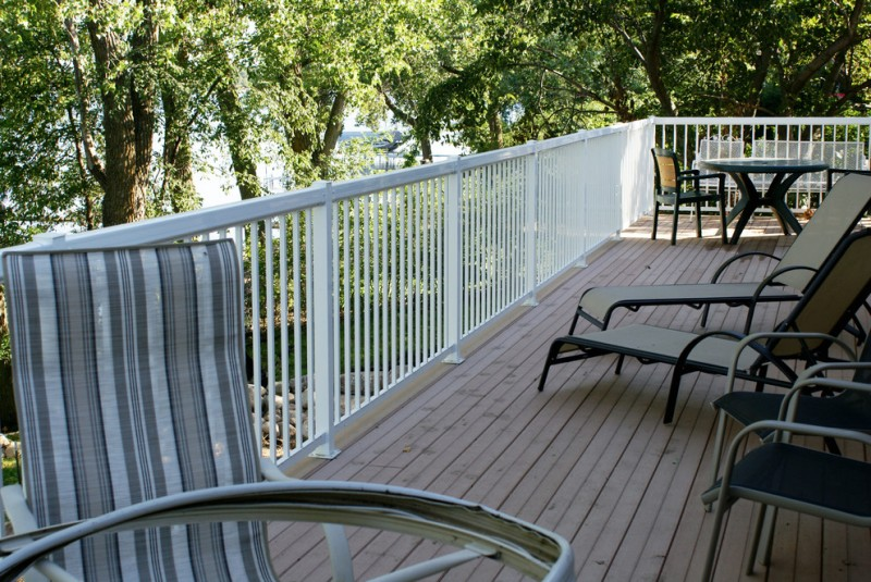 white aluminum vertical railing
