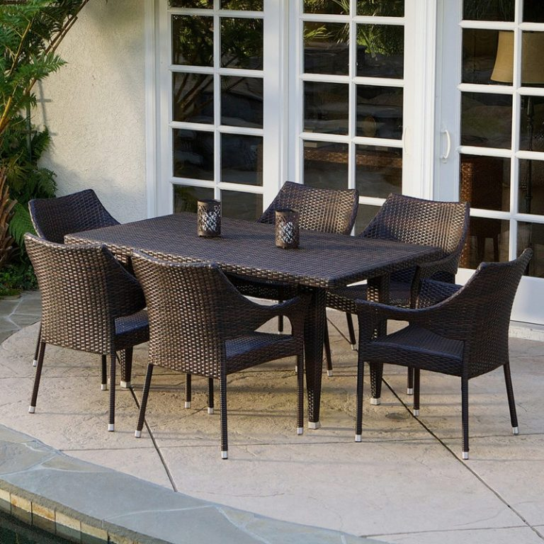 Wicker Kitchen Table: Wicker Chairs For Warmth In Dining Table