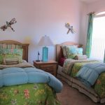 Bright And Colorful Bed Sheet Idea For Twin Bedroom