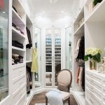 Full Height Contemporary Closet Open Cothes Shelves Mirror Door Closed Shoes Rack Patterned Rug