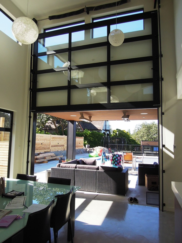 Open Your Room To Outdoor View With Patio Doors Decohoms