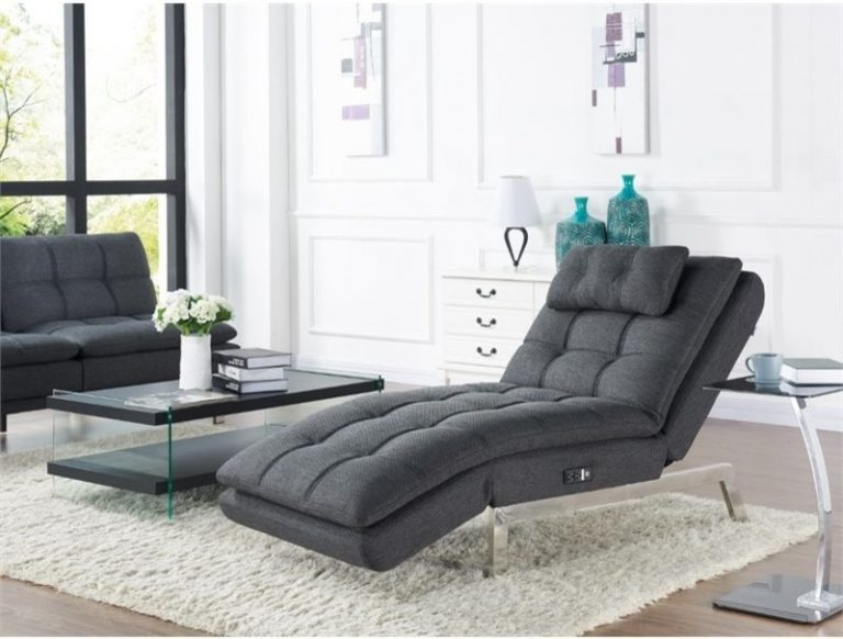 Lounge Chair For Longer Rest And Longer Time To Relax