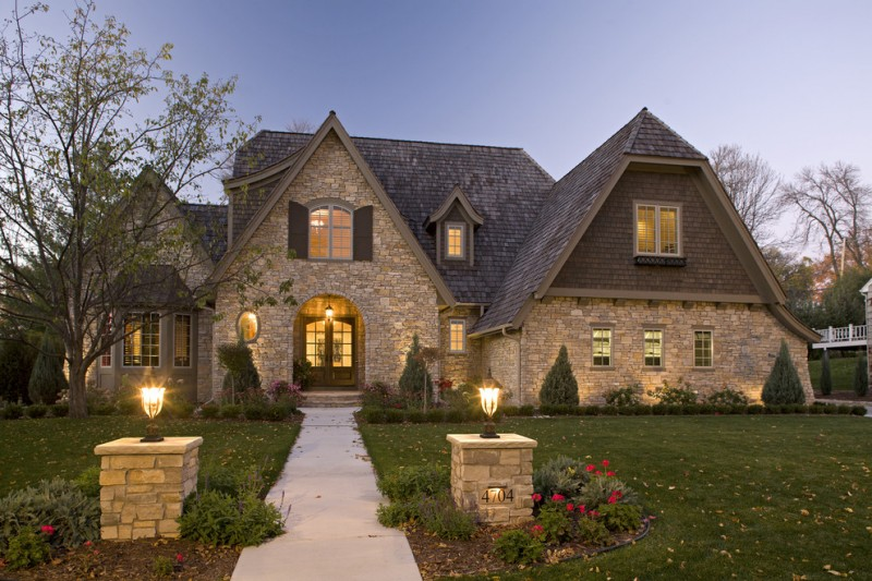 Stunning homes to get ideas for hill country house plans for Traditional country homes