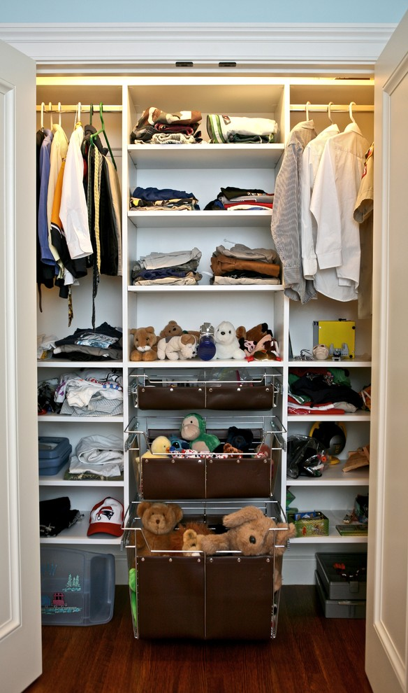 small closet idea for kids' stuffs