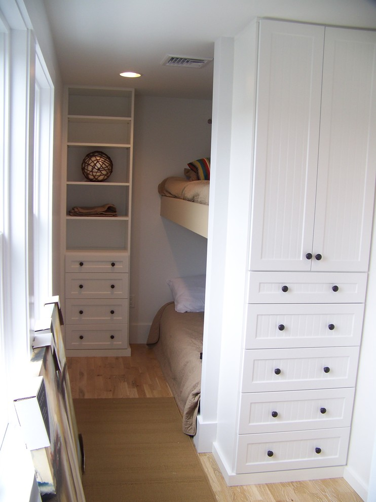 white vertical closet organizer in small size