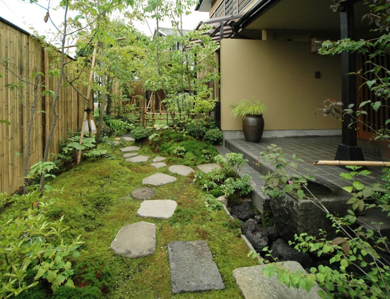 Japanese Garden Exhibition Model Stone Pavers Grass Plants Bamboo Fence  Beautiful Landscape