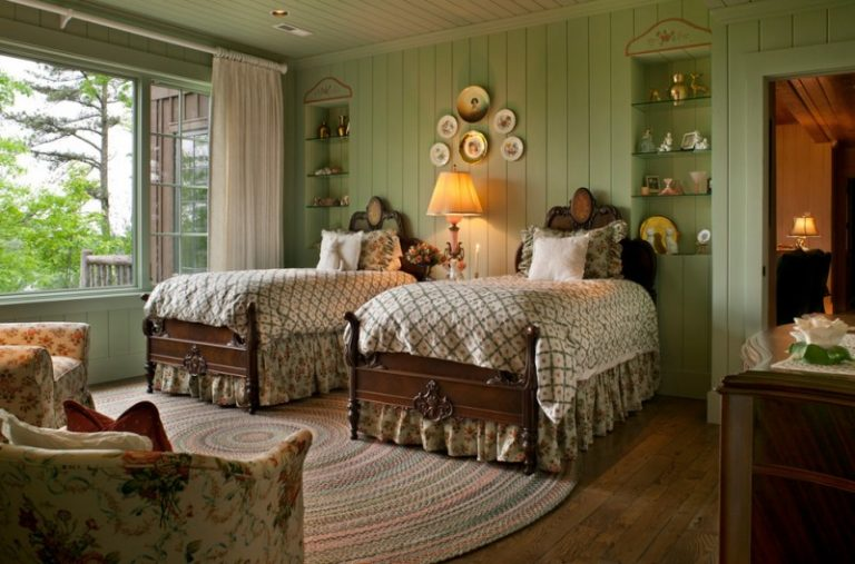 Some Ideas For Bedroom With Twin Bed Decohoms