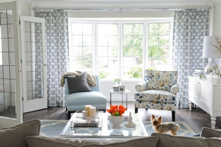 Making Your Blue Accent Chairs As The Focal Point On The
