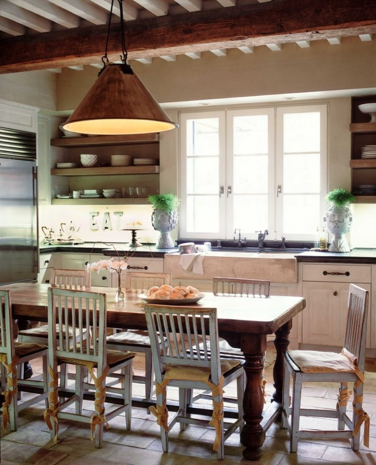 Astonishingly lovely farm style kitchen table choices to for Farmhouse style kitchen table