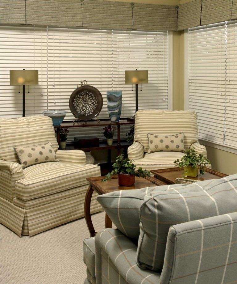 Lovely Pieces Of Furniture For A Small Living Room
