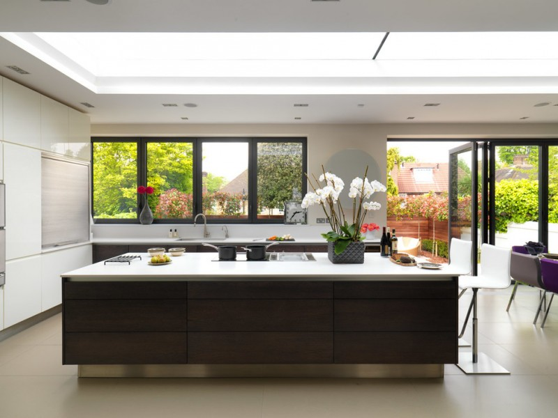 garden windows for kitchen flat panel cabinets island stools glass sheet backsplash quartzite countertops ceramic floors undermount sink ceiling lights contemporary design