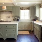 Good Colors For Kitchens Shaker Cabinets Chandelier Undermount Sink Windows Blinds White Backsplash Marble Countertops Hardwood Floors Ceiling Lights Rug Traditional Design