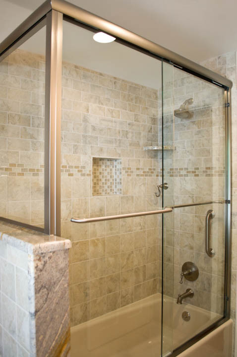 Exceptional walk in shower tub combo ideas decohoms Shower tub combo with window