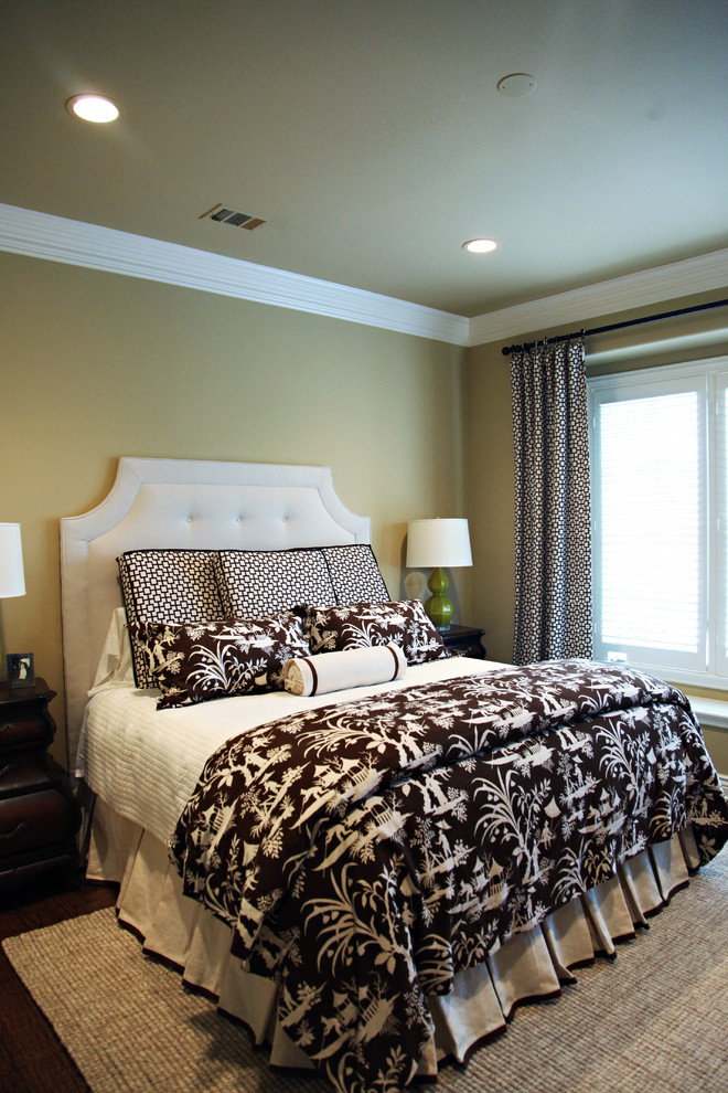 hudson park bedding wooden floor carpet night lamps windows blinds bed sheets ceiling lights transitional style