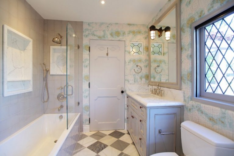 Astoundingly Cool Jacuzzi Tub Shower Combo To Be Mesmerized By - Modern bathroom tub shower combo