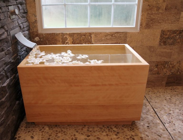 Appealing Japanese Soaking Tub for Small Bathroom | Decohoms
