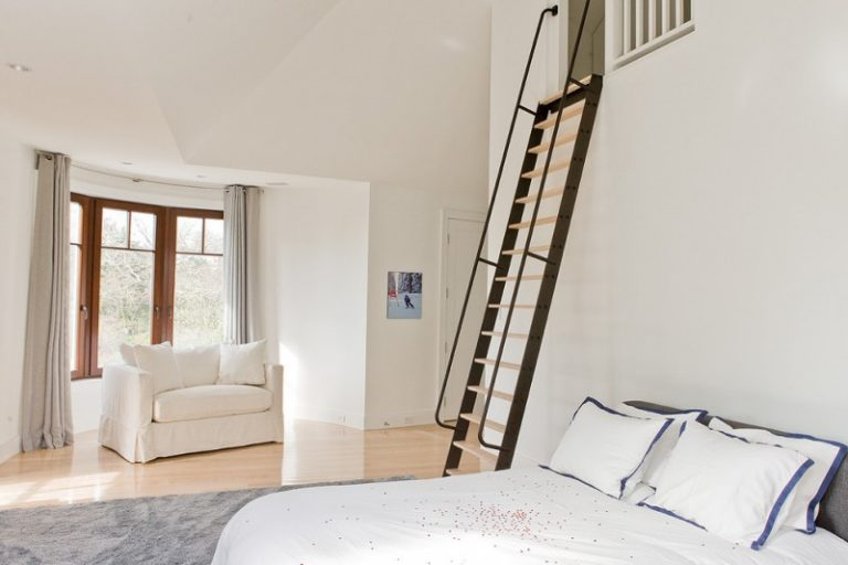 Astounding Loft Ladder Ideas to Apply at Your Home | Decohoms