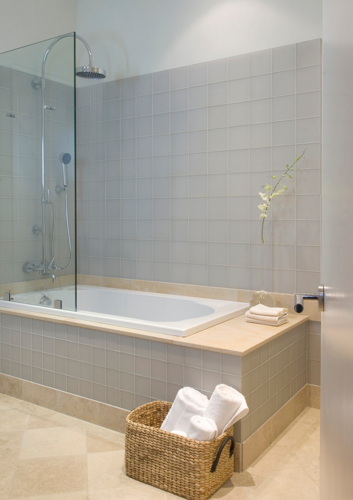 Fabulously Cute Small Bathtubs with Shower for a Small Bathroom ...