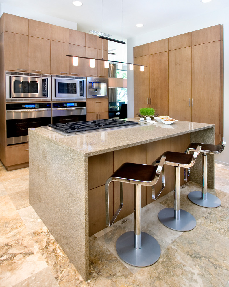 To cook with more ease and space on island decohoms for Marble topped kitchen island