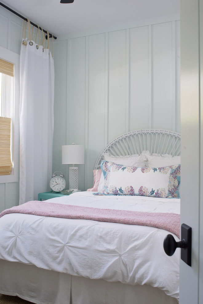 ways to hang a curtain thin rope bed pillows window bedside table lamp shabby chic style bedroom