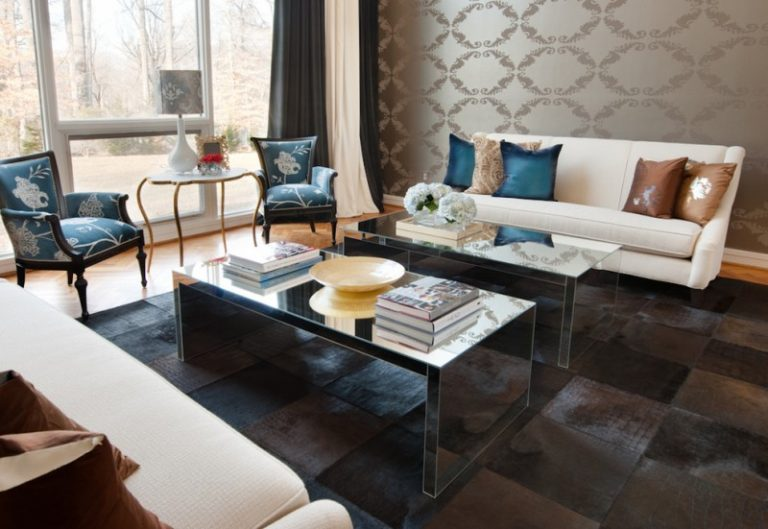 Making Your Blue Accent Chairs as the Focal Point on the Living ...