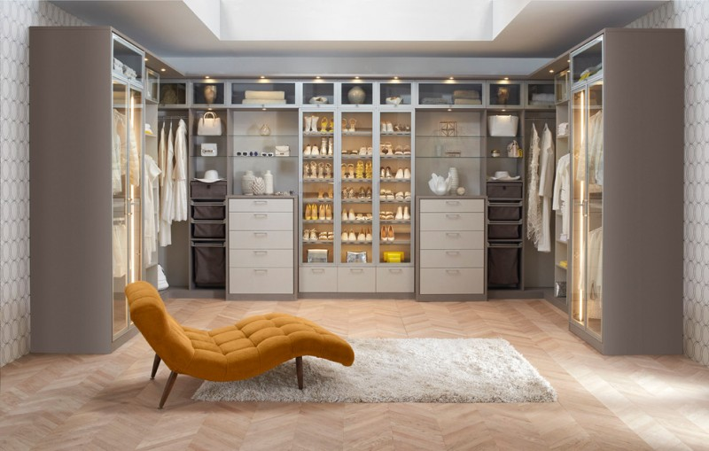 Awesome Big Walk In Closet Contemporary Bedroom Shelves Shoes Clothes Bags Carpet  Drawers Lights