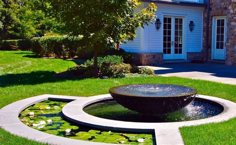 Beautiful front yard fountains to be greatly amazed by for Front yard fish pond