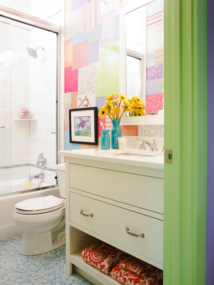 kate spade design toilet colourful room mirror flowers bathtub shower corner shelf eclectic bathing chamber