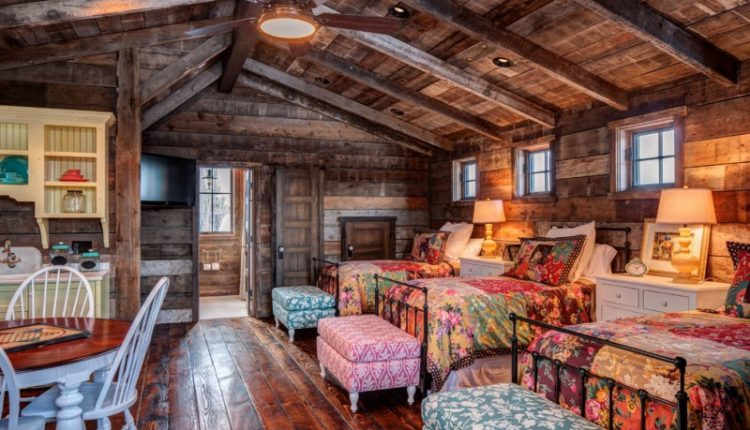 one bedroom cabin plans beds bedding sidetables lamps round table chairs cabinet chaise longues ceiling fan traditional design