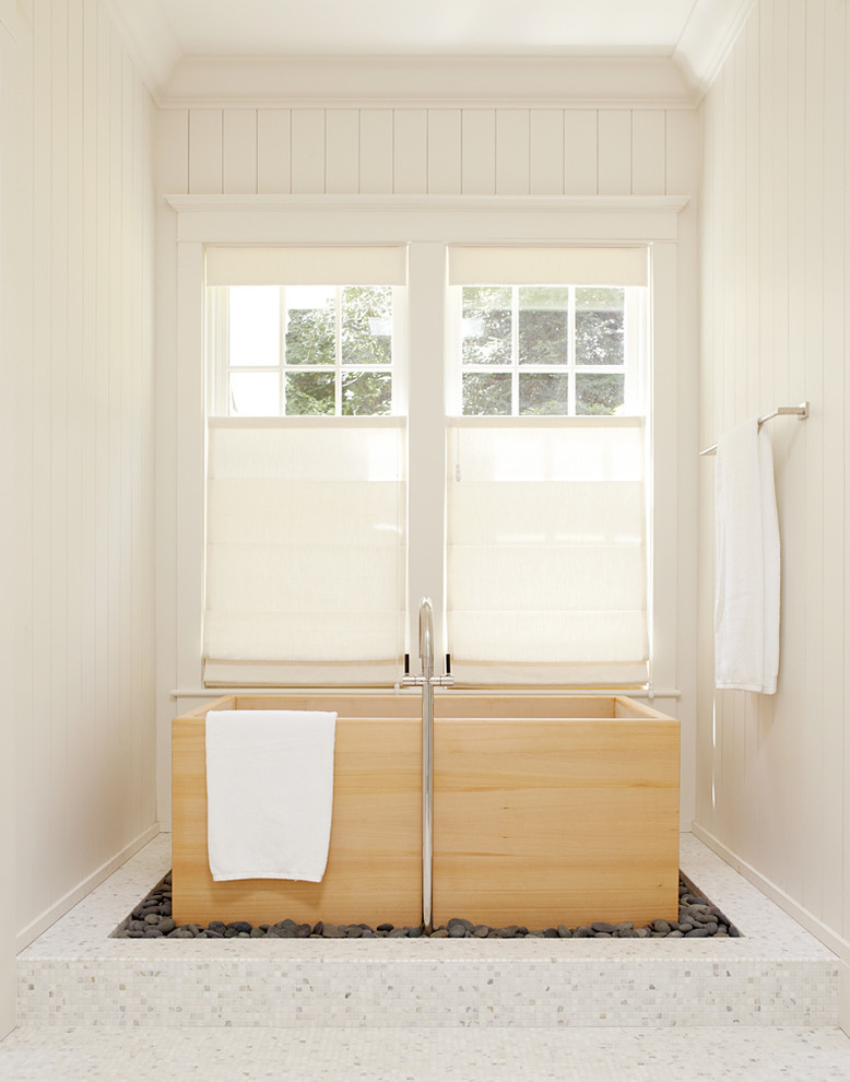 Picturesque privacy window screens for your home decohoms for Bathroom window treatments privacy