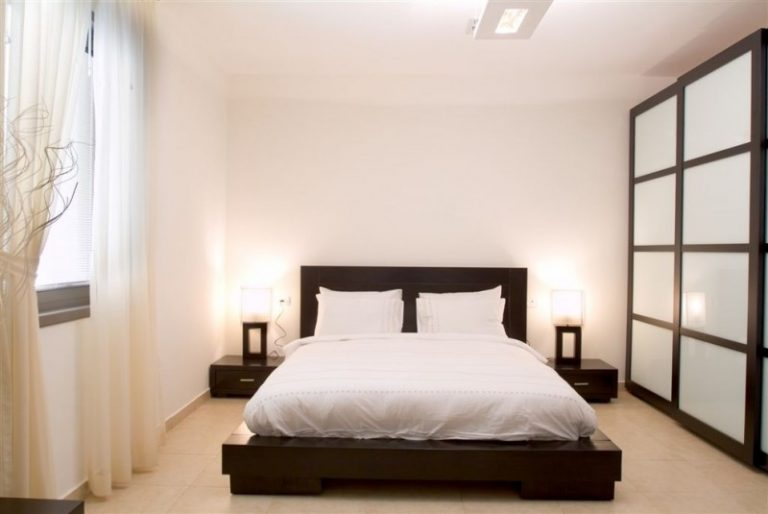 2 Beautifully Modern Minimalist Asian Designs: Beautiful Beds To Look At If You're Interested In A