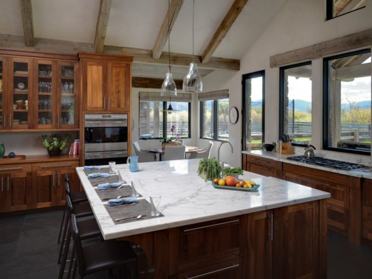 Choosing The Perfect Glass Pendant Lights For Well