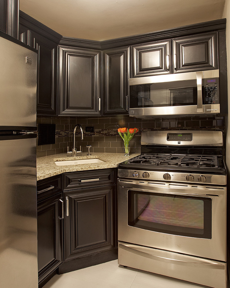 Black Silver Kitchen Idea With Lower U0026 Upper Corner Cabinets In Black  Stainless Steel Appliances Granite