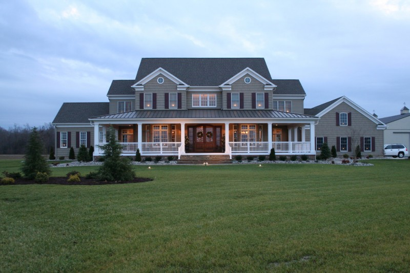 Affordable farm style house plans to be amazed by decohoms for House plans with large porches