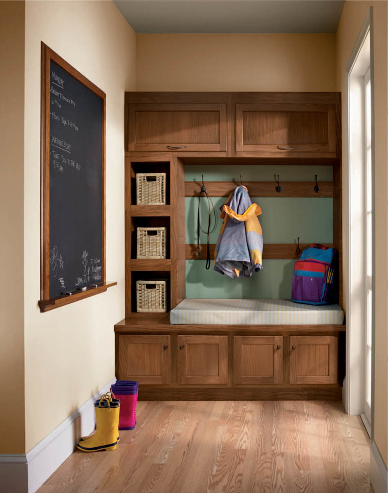 Adorable Small Mudroom Ideas For Your Home Decohoms