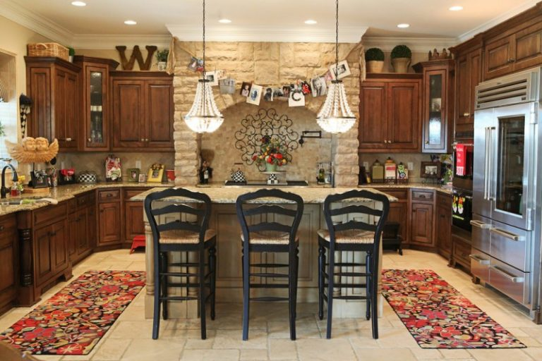 Brilliant Kitchen Wall Decor Ideas To Enhance Your Kitchen