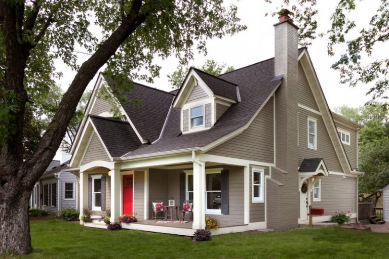 Mid Sized Classic Brown Exterior Home Design With Brown Roofs Beige Wooden  Deck Wall Red Front