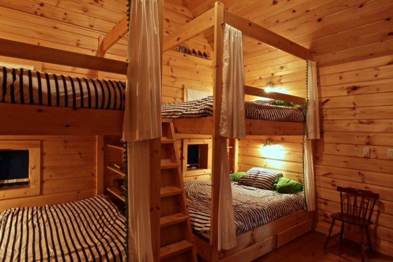 complete your bedroom need with these awesome queen size bunk beds decohoms. Black Bedroom Furniture Sets. Home Design Ideas
