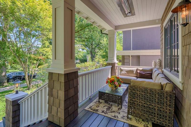 Add a comfort zone in your front porch with these fabulous for L shaped house front porch