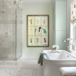 Acrylic Freestanding Bathtub Artwork Crystal Chandelier Window Shade White Stool Tub Filler Towel Glass Shower Doors
