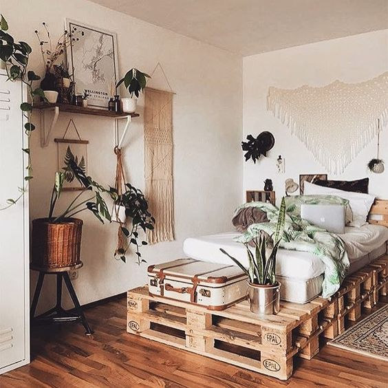 How to make bohemian style rules your bedroom decohoms - Bedroom with mattress on the floor ...