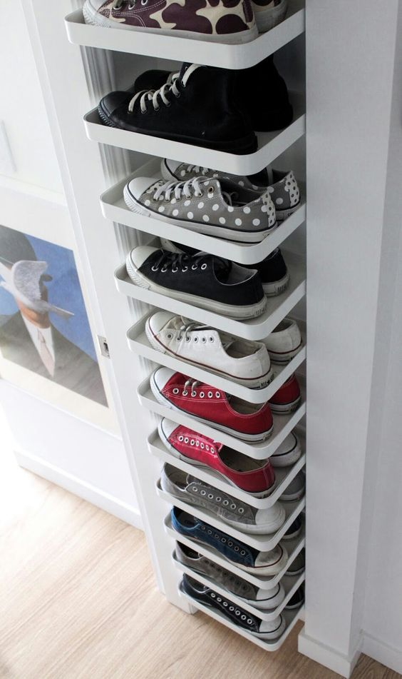floating shoe rack on single line from top to floor