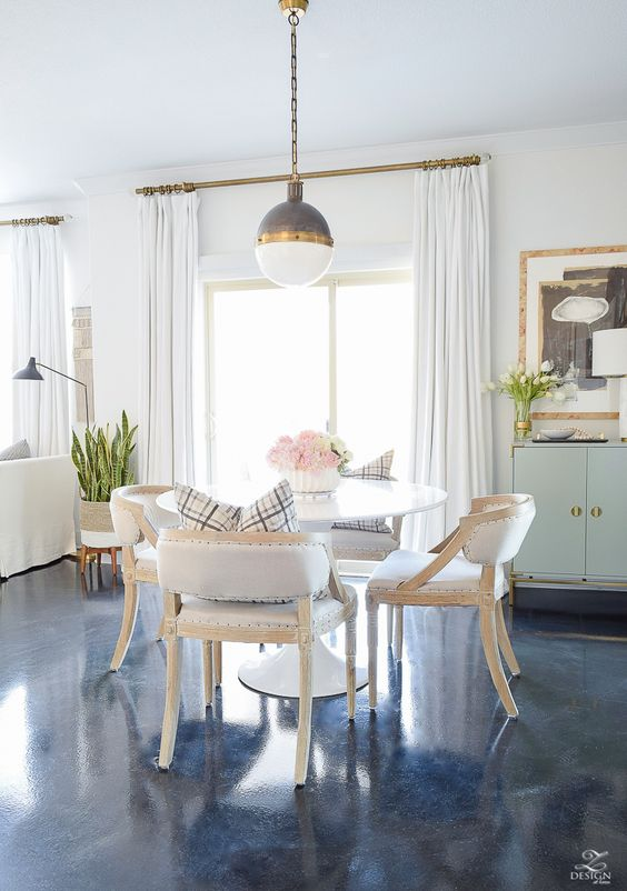 dining set, white round table, wooden chairs, white cushion, white pendant