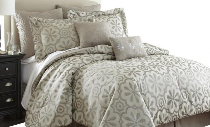 Simple Bedding Sets