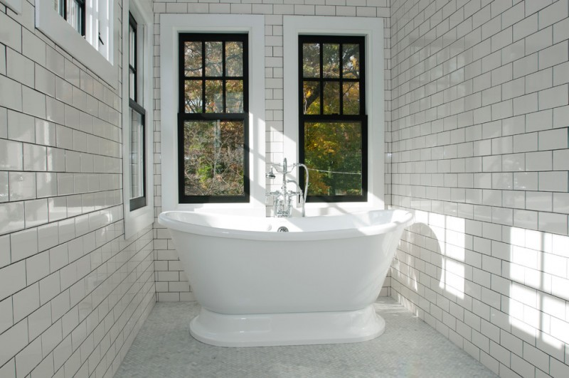 large and long high end plumbing fixtures with only bathtub